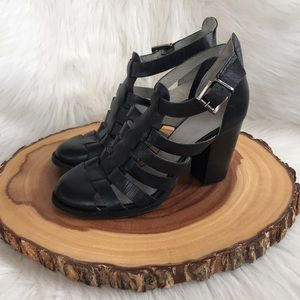 Seychelles soft leather strappy heels